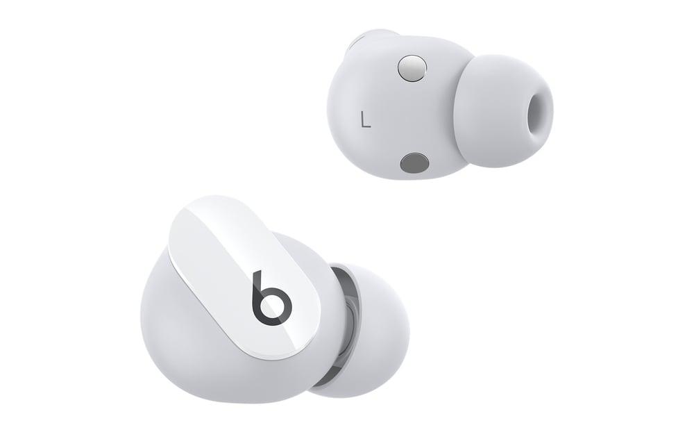 lanzamiento Beats Studio Buds auriculares en blanco
