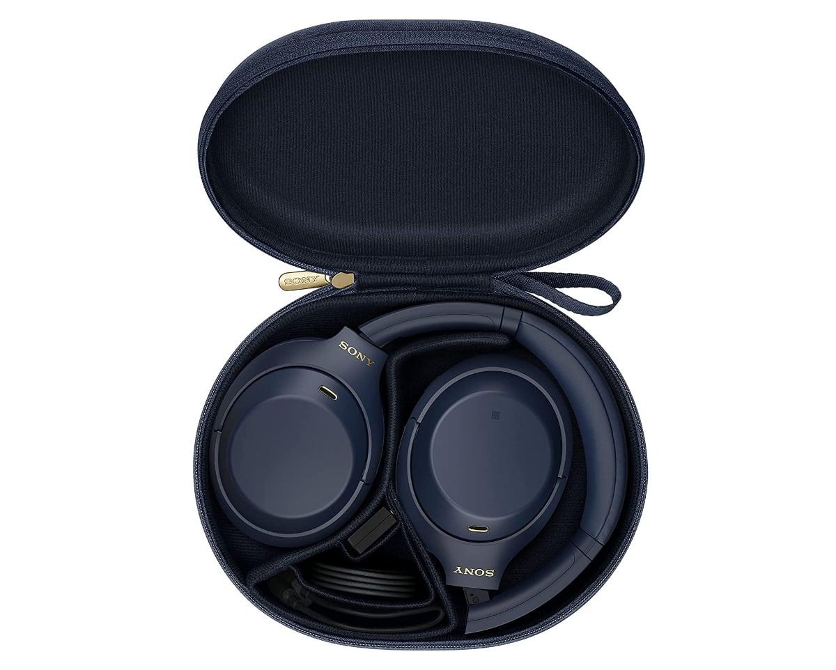 auriculares Sony WH1000XM4 en color azul estuche